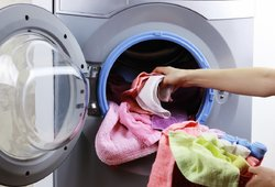 Šiukštu nedėkite šių daiktų į skalbimo mašiną: gali baigtis liūdnai