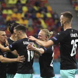 Austrai Europos čempionatą pradėjo istorine pergale