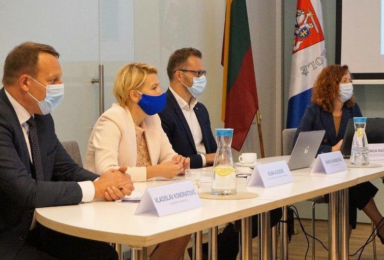 Į atlikto audito pristatymą pakviesti politikos formavime dalyvaujantys susisiekimo, socialinės apsaugos ir darbo, aplinkos viceministrai. Aldonos Milieškienės nuotr.