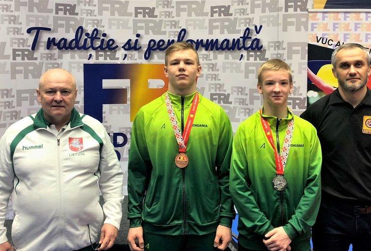 Lietuvos jaunieji imtynininkai turnyre Ruminijoje iškovojo medalius. (nuotr. imtynes.lt)