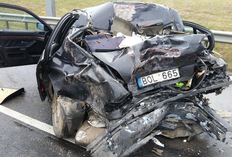 Įvykio vietoje (nuotr. Lietuvos automobilininkų sąjungos)