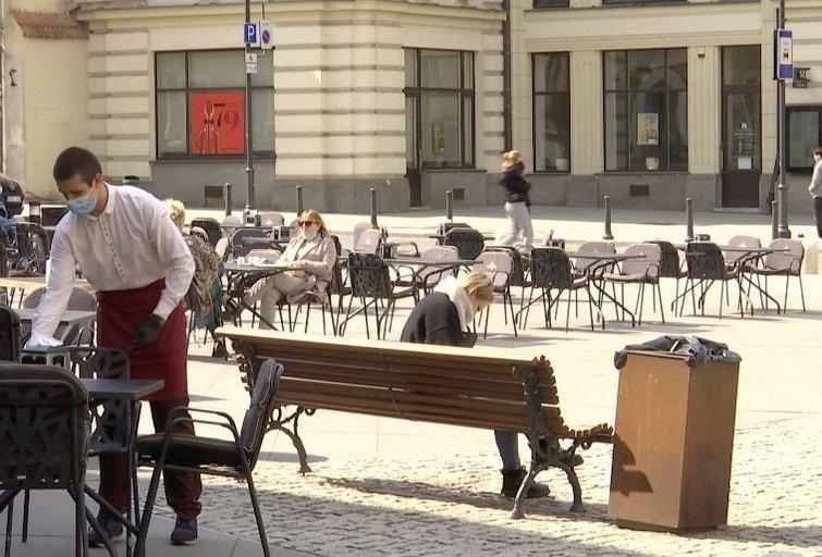 Lauko kavinė (nuotr. stop kadras)