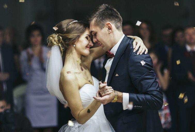 Vestuvės pribloškė giminę: mirus nuotakai, jaunikis vedė jos seserį   (nuotr. 123rf.com)