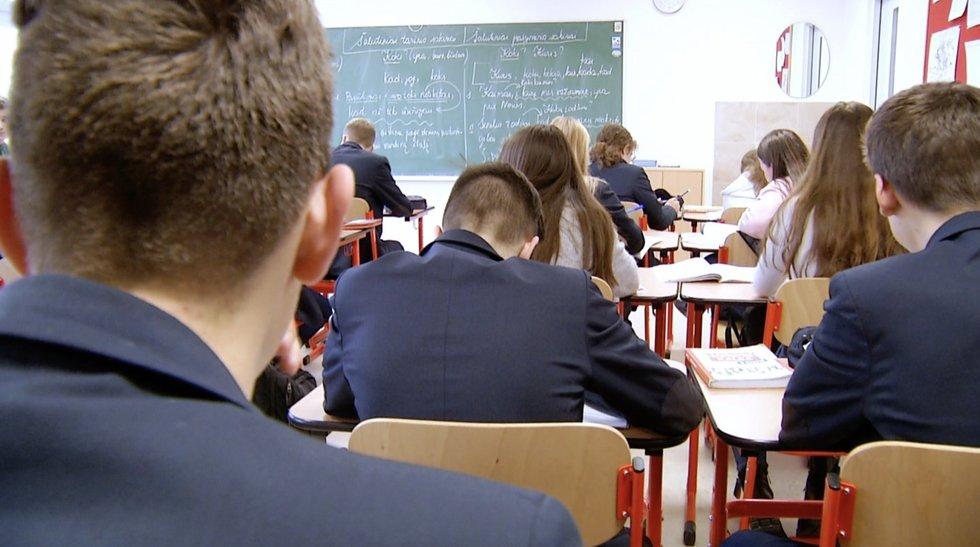 Mokiniai pavargę, daugėja ir psichologinių problemų: kaip kompensuos prarastą ugdymą?