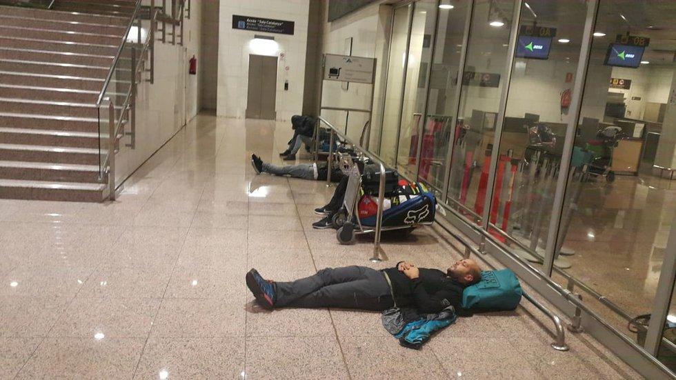 Oro uoste įstrigę keleiviai