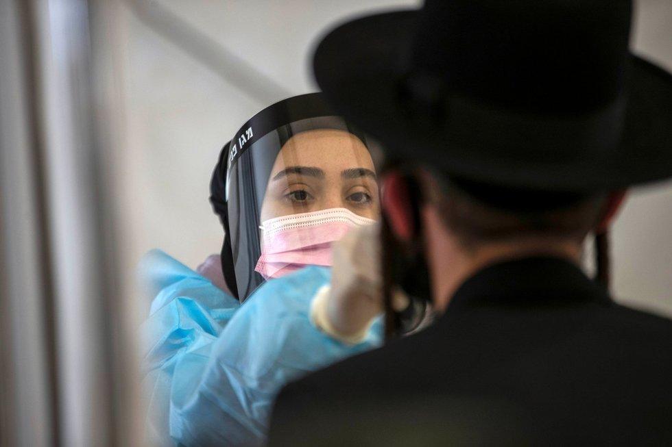 Izraelio sėkmės istorija – vakcinavo taip sparčiai, kad pritrūkdavo švirkštų