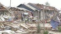 Azijoje siaučia tornadai: Kinijoje žuvo žmogus, apgadinti beveik 170 namų (nuotr. stop kadras)