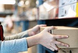 Piktinasi, kad siunta pabrango trečdaliu: paštas įspėjo, kad kainos dar didės