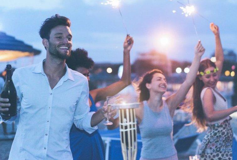 Vakarėlis (nuotr. Shutterstock.com)