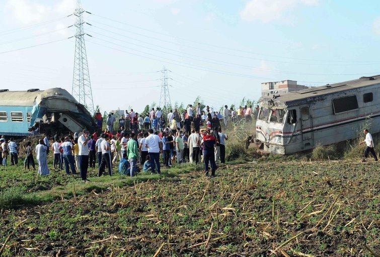 Egipte susidūrus traukiniams žuvo mažiausiai 36 žmonės (nuotr. SCANPIX)