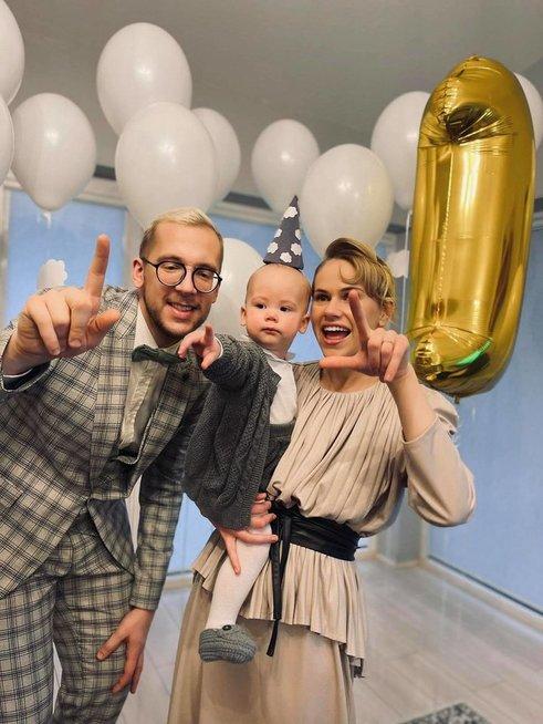 Linas Vaitkevičius su mylimąja atšventė pirmąjį sūnaus gimtadienį
