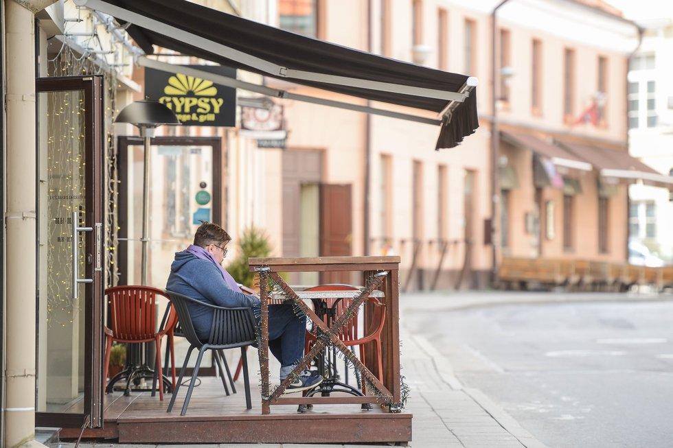 Kavinės, restoranai, barai ir vėl laukia žmonių. Fotodiena/Justinas Auškelis