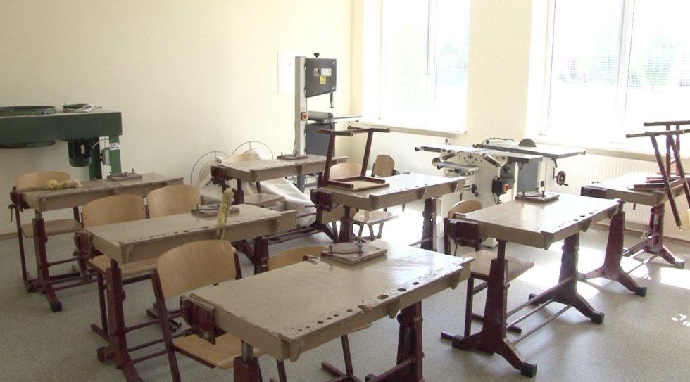 Lietuvos rajonams tuštėjant nuo rugsėjo dar daugiau mokyklų visam laikui užveria duris