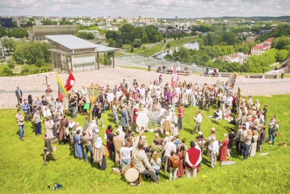 Strasbūras apgynė baltų religinę bendruomenę: nepripažindama jos, Lietuva pažeidė žmogaus teises (nuotr. stop kadras)