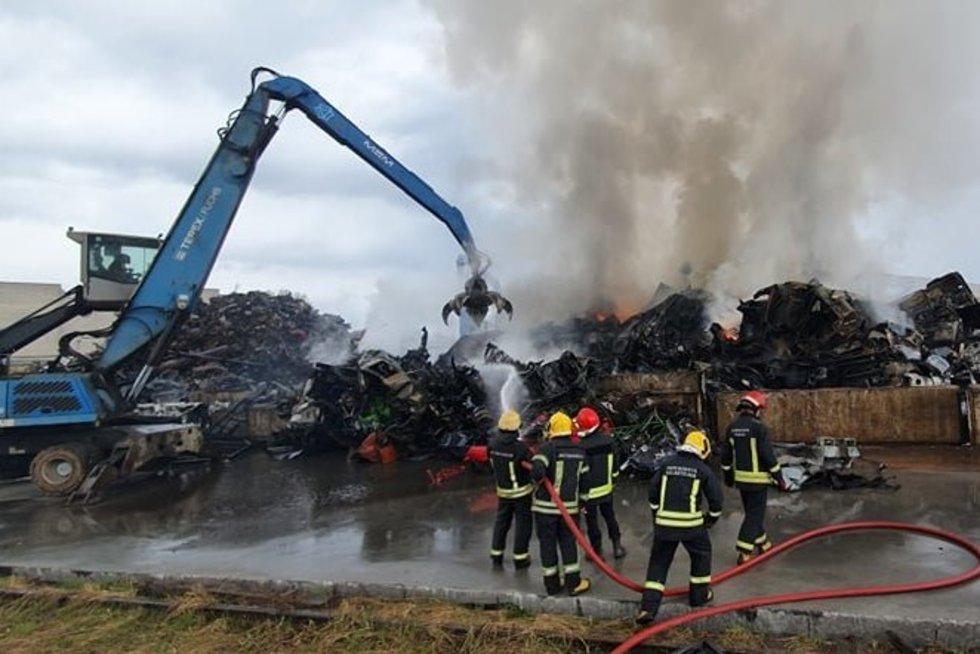 Didelis gaisras Kaune (nuotr. TV3)