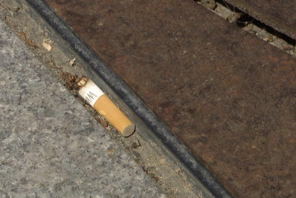 Kasmet cigaretės pražudo beveik 2 tūkst. tautiečių, bet lietuviai blogų įpročių atsisakyti neskuba (nuotr. stop kadras)