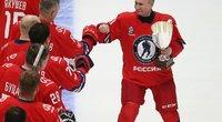 Putinas dominavo ledo ritulio legendų komandoje. (nuotr. SCANPIX)