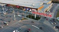 """Vilniaus """"Akropolio"""" aikštelė prieš apribojimus automobiliais atvažiuojantiems lankytojams (nuotr. TV3)"""