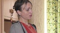 Bendrabučio gyventojos nebegali tylėti: moteris vaikšto nuoga ir šlapinasi laiptinėje