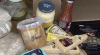 Vietoj 200 eurų vertės maisto rinkinio medikams – 1 sūris ir 2 pakeliai kūčiukų (nuotr. stop kadras)