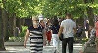 """Kauno gyventojai LGBT eitynes vertina dvejopai: visi """"normalūs"""" žmonės nesireklamuoja (nuotr. stop kadras)"""