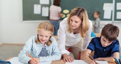 """Mokytojai neviltyje: """"Kurie dar specialistai mėnesį dirba nežinodami atlyginimo?"""""""