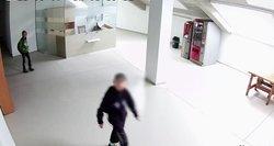 Bukiausi vagišiai: vogė vidury baltos dienos ir pamojavo vaizdo stebėjimo kamerai