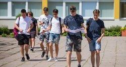 Matematikos egzaminas baigtas: džiaugsmas maišėsi su baime neišlaikyti