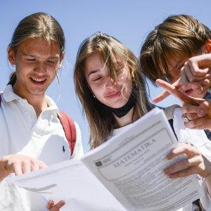 Matematikos egzamino užduotis krimtę abiturientai: mokinių pasigailėta, nes užduotys – lengvokos