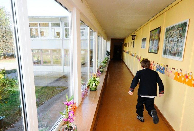 Vaikas mokykloje (nuotr. Fotodiena.lt)