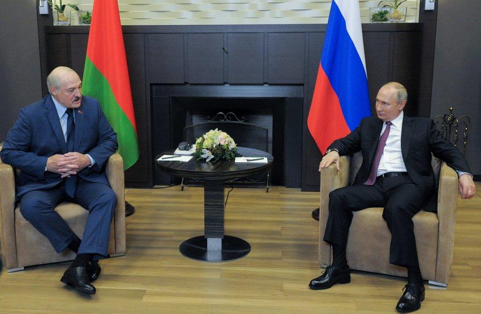 Putinas Sočyje priėmė užtarimo ieškantį Lukašenką