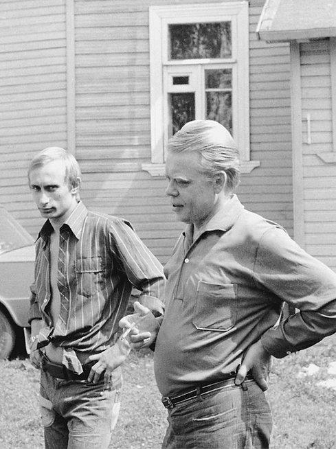 Vladimiras Putinas paskutinio praėjusio amžiaus dešimtmečio pradžioje (nuotr. SCANPIX)