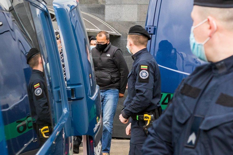 Suėmimai teisme korupcijos byloje (nuotr. Broniaus Jablonsko)