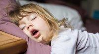 Miegantis vaikas (nuotr. Shutterstock.com)