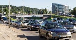 Naujo automobilių mokesčio detalės: kasmet didės, nesumokėjus – VMI sankcijos