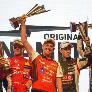 """""""Aurum 1006 km"""" lenktynių apdovanojimai: antrosios vietos laimėtojai ant scenos nelipo"""