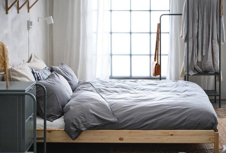 Miegamasis palėpėje: kaip jaukiai ir patogiai įsikurti nestandartinėje erdvėje?