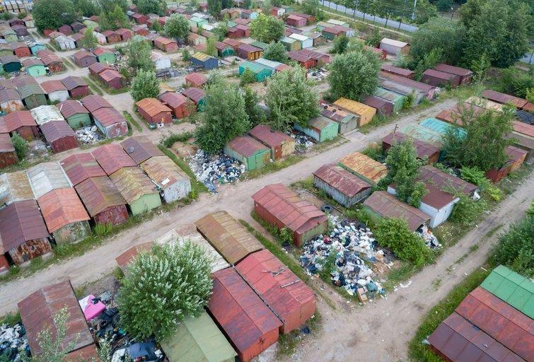 Vilniaus mieste neliks nelegalių metalinių garažų masyvų (nuotr. Sauliaus Žiūros)