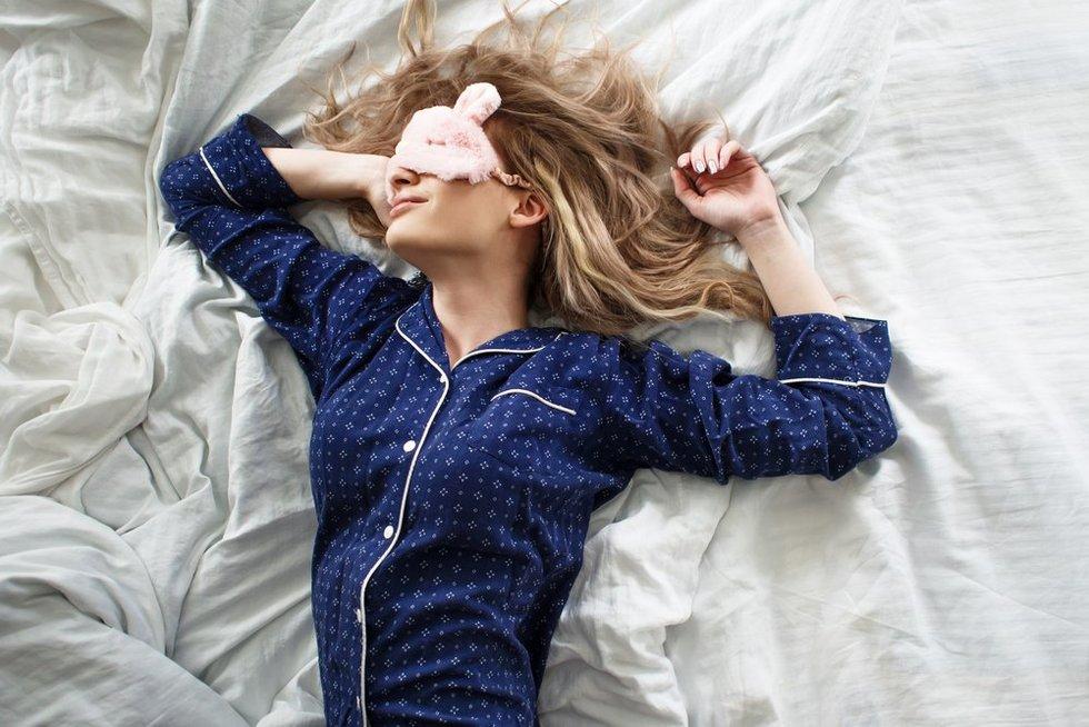 Sutrikęs miegas gali slėpti klastingą ligą: naktimis net nustoja kvėpuoti