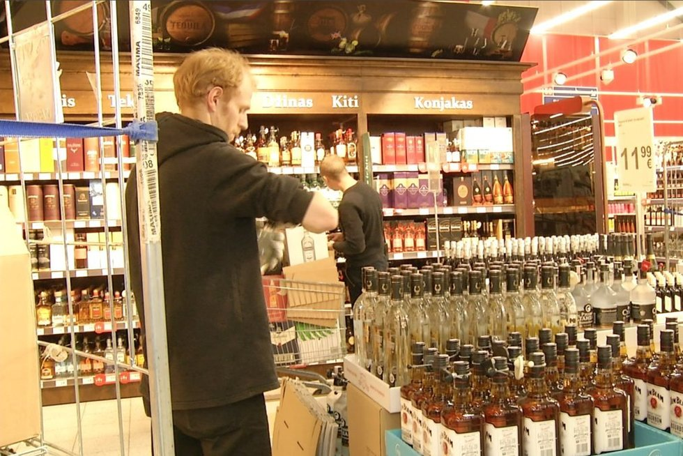 Alkoholis (nuotr. stop kadras)