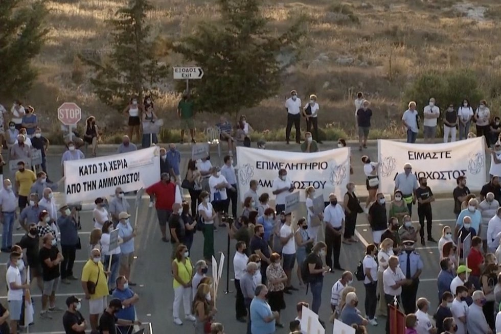 Kipras ir Turkija pešasi dėl mirusio miesto: prašo turkų patraukti rankas ir leisti gyventojams sugrįžti namo (nuotr. stop kadras)
