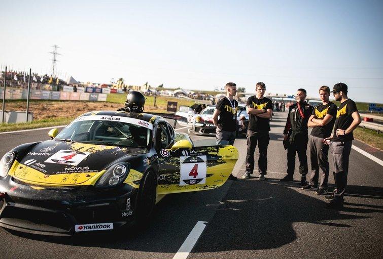 """""""Porsche Baltic"""" (nuotr. Organizatorių)"""