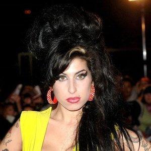 Prabilo Winehouse globotinė: galėjau ją išgelbėti
