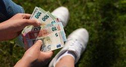 Įspėja nejuokauti: ir vienas žodis pervedant pinigus gali atsirūgti nemalonumais
