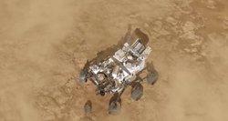 Reikšmingas žingsnis kosmoso tyrinėjime: NASA marsaeigis pradėjo gyvybės paieškas