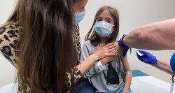 Vaikų gydytoja apie paauglių skiepijimą: reikia užtikrinti, kad nebūtų paskelbta pandemija tarp vaikų