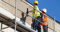 Trūksta ir darbuotojų, ir statybinių medžiagų: įspėja, kad būstas toliau brangs