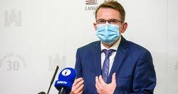 """Dėl medikų algų spaudžiamas Dulkys:""""Lyg lietuvių kalba sakau – darbo užmokestis bus didinamas antrą pusmetį"""""""