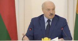 Lukašenka dorojasi su laisva žiniasklaida: sulaikė Nobelio premijos laureatę, atliko kratas pas žurnalistus