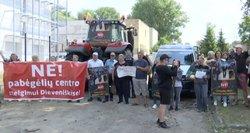 Nuomonės gerokai išsiskyrė: tai – antivalstybinė veikla, protestai iš baimės dėl migrantų ar kontrabandininkų nepasitenkinimas